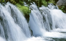 溪流瀑布高清壁纸