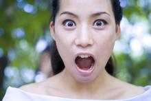 女性面部表情图
